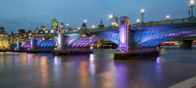 Urbis Lighting - SOUTHWARK AND BLACKFRIARS BRIDGES - LONDON Dynamic ambiance to impress and create distinctive identity