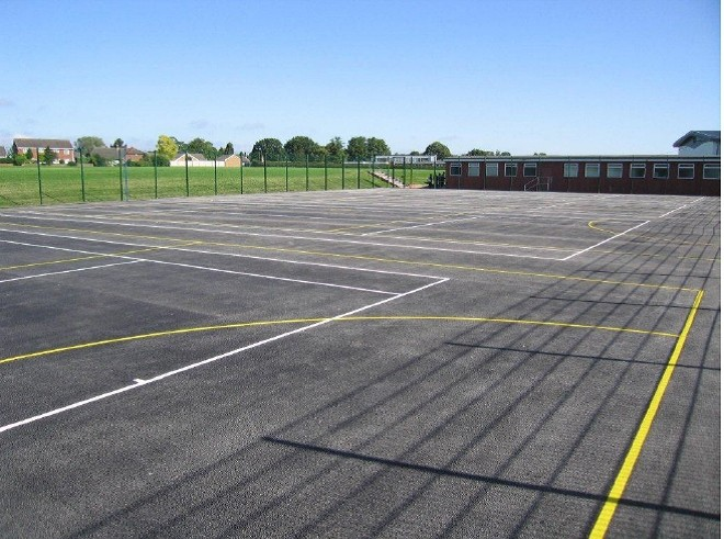 FOSSE CONTRACTS INSTALL 12 COURTS IN HOLIDAY BREAK