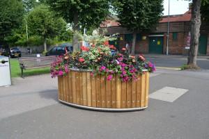 Stockport elliptical planters 005