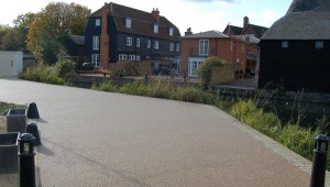 Clearstone-case study-Hertford-3-resin bound