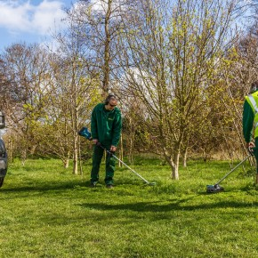 HACKNEY MARCHES TO SAFER GREEN SPACES WITH MAKITA BATTERY TOOLS