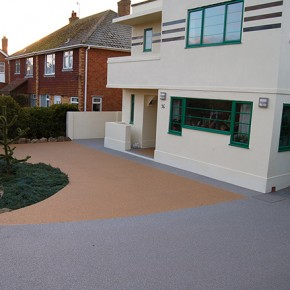Clearstone® resin bound for Art Deco period home terrace and driveway