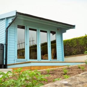 Sadolin Superdec ambassador puts colour outdoors in perspective