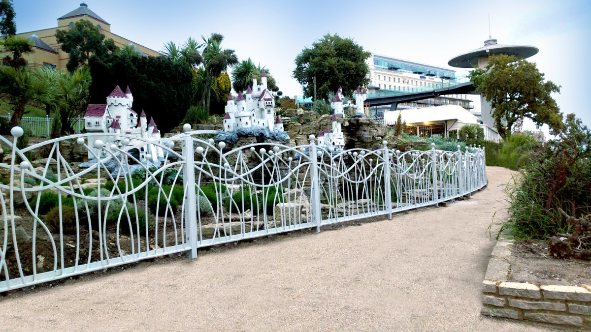 Alpha Rail installs decorative metal railings on Southend seafront