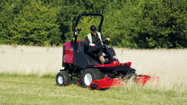 INCREASED PRODUCTIVITY AND UNRIVALLED VERSATILITY WITH TORO'S LT-F3000