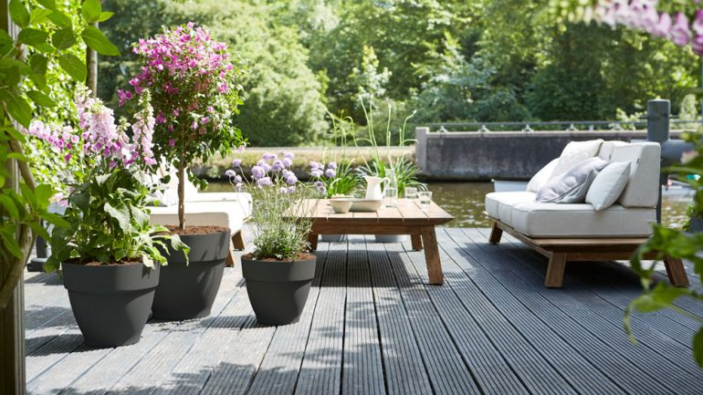 Classic Garden Design for the Modern Romantic