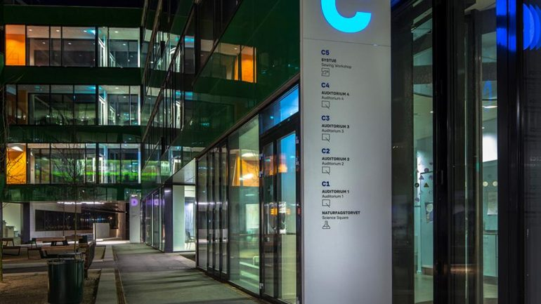 12 tips for implementing a Sustainable Signage Strategy for your projects.